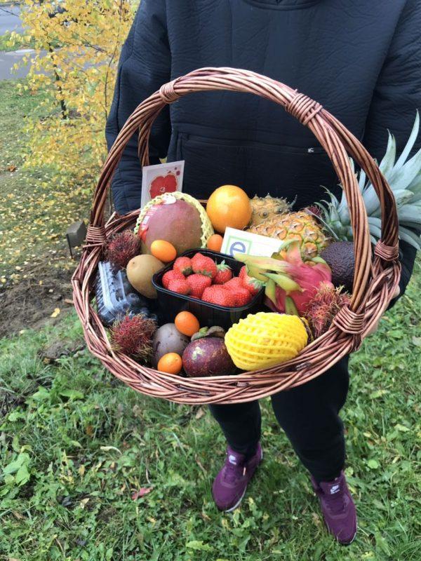 Набор экзотических фруктов в подарок